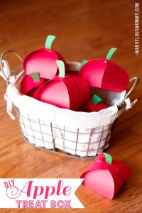 10 apple kids crafts